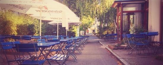 Das Gartencafé am frühen Morgen