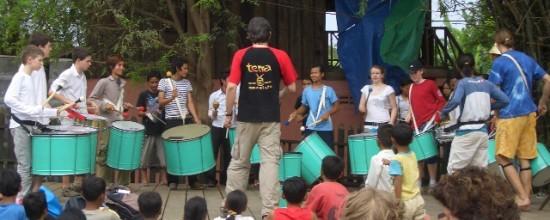 Sambaprobe mit Jugendlichen aus Berlin und Kambodscha