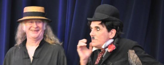 Juppy und Charly auf der Bühne
