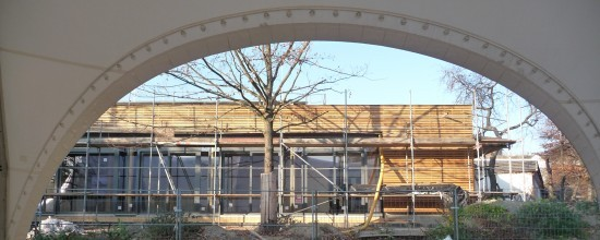Blick auf den Neubau des Theaterfoyers im herbst 2011.