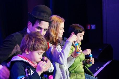Charlie und seine Zauberassistenten